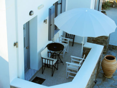 You can relax outside of the apartment with a view at Serifos