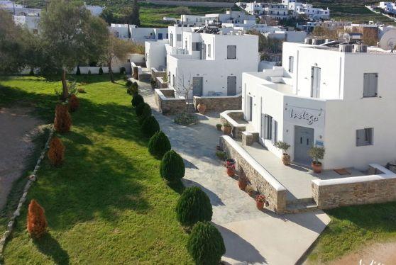 Εξωτερικό του ξενοδοχείου Hotel Indigo Studios με θέα στην Σέριφο
