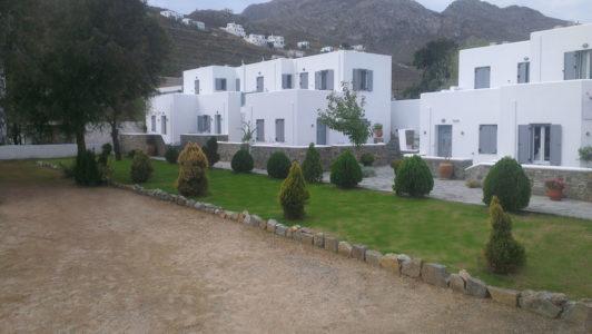 Exterior of Hotel Indigo Studios in Serifos
