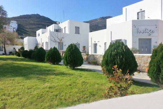 Εξωτερική άποψη των superior διαμερισμάτων του ξενοδοχείου Hotel Indigo Studios στην Σέριφο