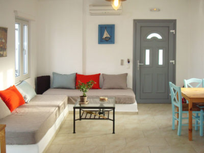 Hotel Indigo Studios provides superior apartment with a unique decoration style reflecting the style of Serifos