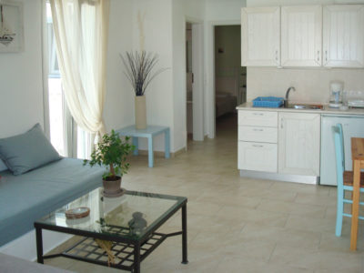Hotel Indigo Studios provides superior apartments, fully equipped with amazing view to Serifos